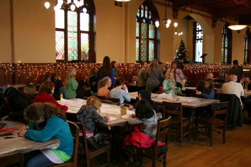 Kids worked on holiday crafts in the dining hall.