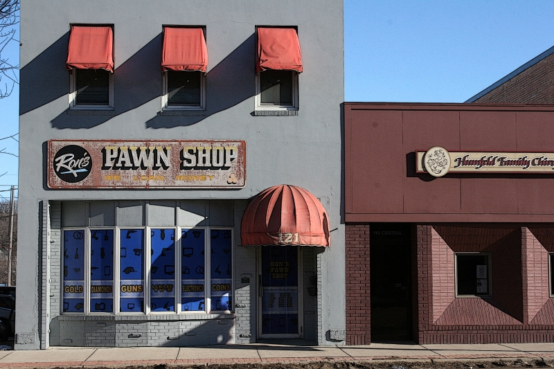 Faribault, Ron's Pawn Shop