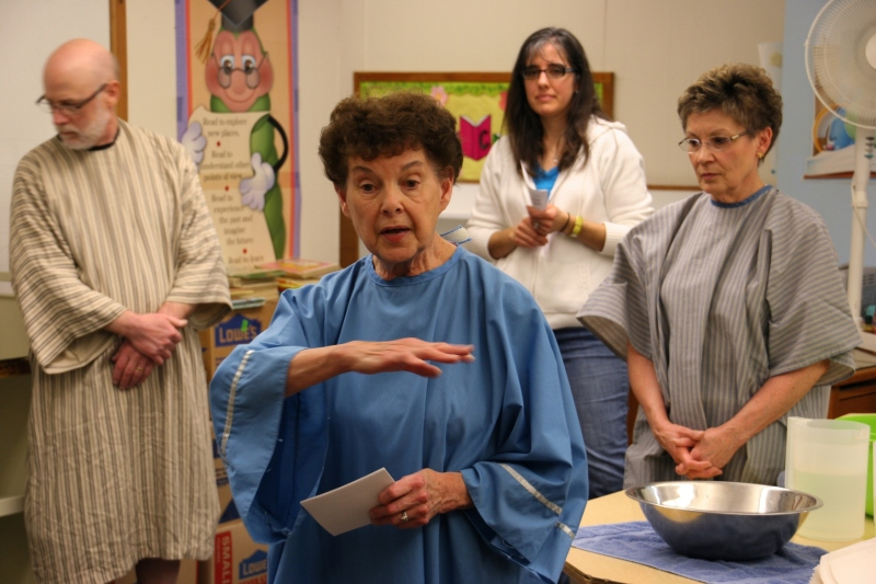 Actress Diane talks about Jesus gathering with his disciples and washing their feet.