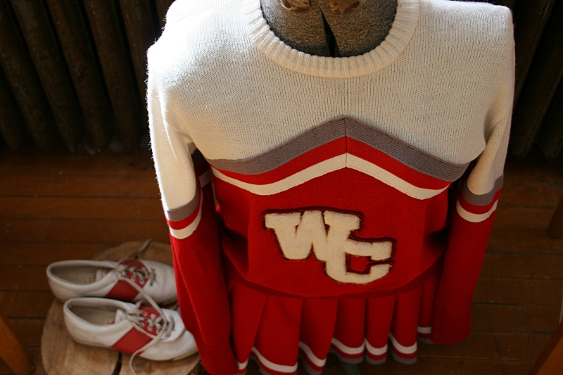 A cheerleading uniform.