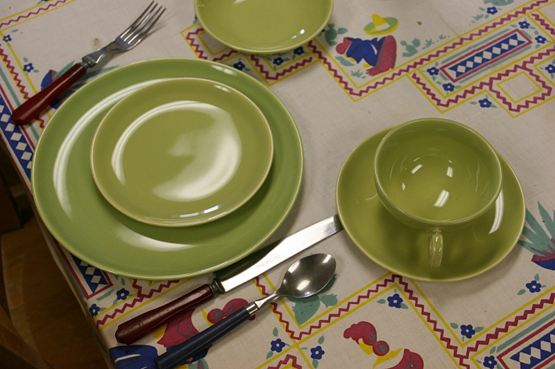 A 1950s place setting. I collection vintage tablecloths.