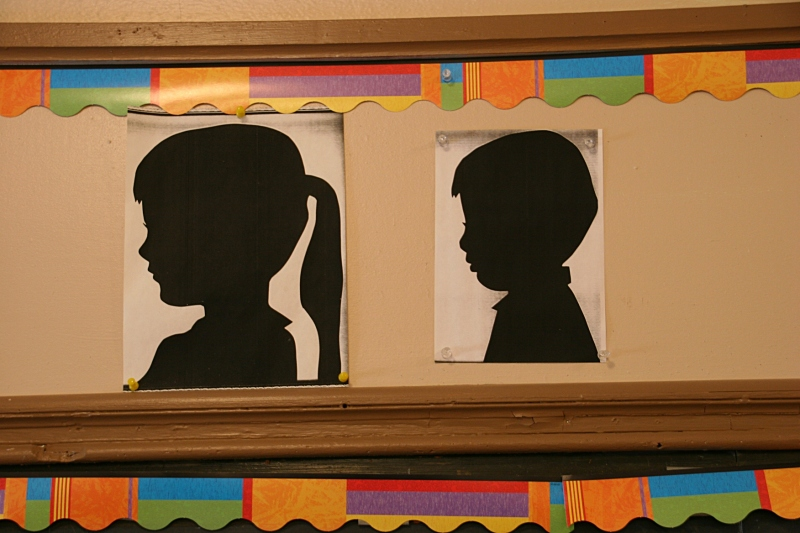 Remember making these silhouettes from black construction paper? I hadn't thought about these in decades. Janis Ray had her students create these profiles each year as a gift to their parents.