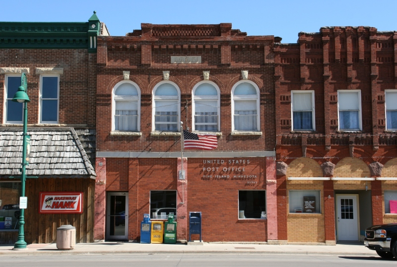 More historic buildings, including one that houses the post office.