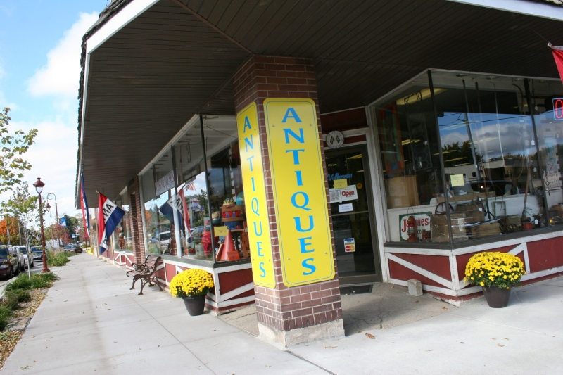 A must-visit antique shop in Lindstrom.