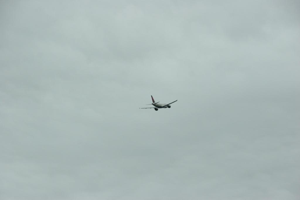 Airport, plane 1