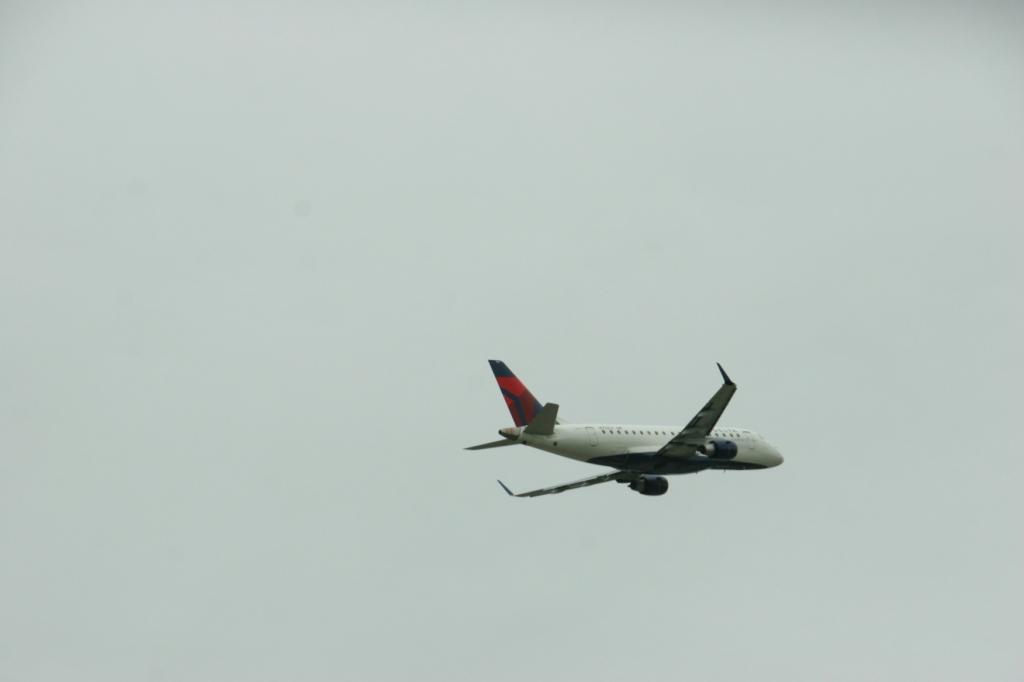 Airport, plane 5