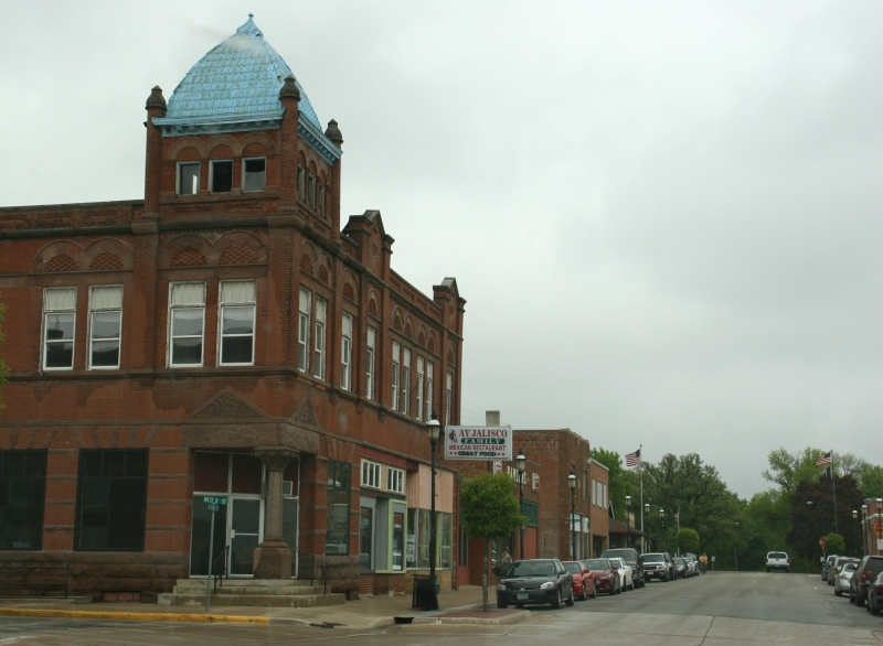 What a stunning building, left, in the heart of downtown Forest City. It appeared abandoned and in need of repair.