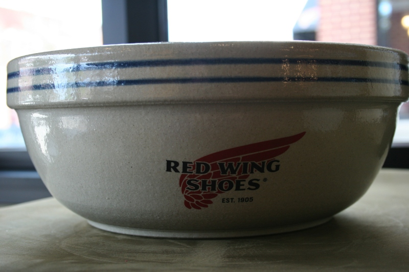 In the gift shop, I spotted this beautiful Red Wing Pottery bowl.