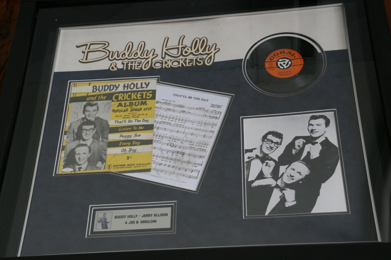 Another tribute to the Surf's most memorable performed, rock n roll legend Buddy Holly.