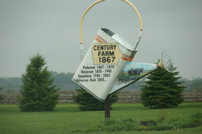 A century farm marker near Forest City.