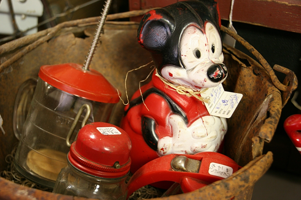Jim's Antiques, Mickey Mouse