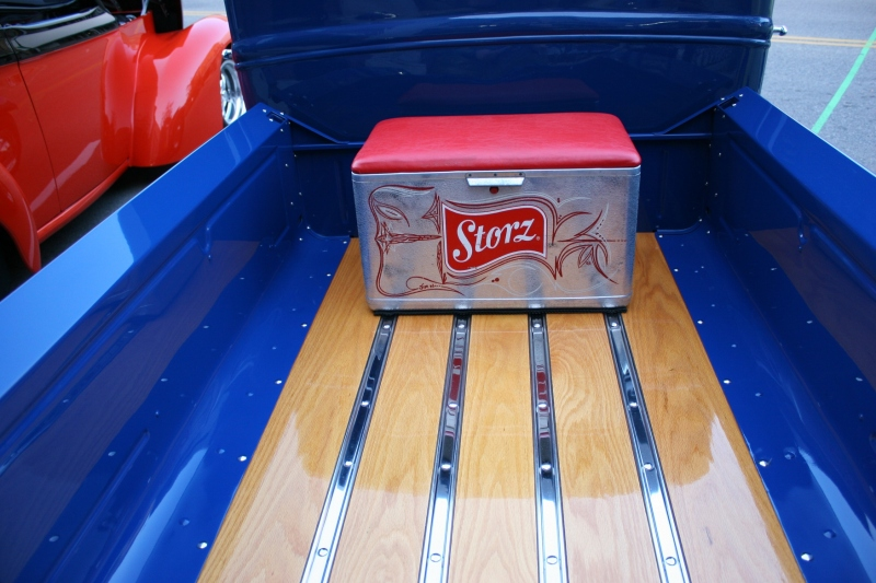 Another vintage cooler, this one in the back of a wagon.