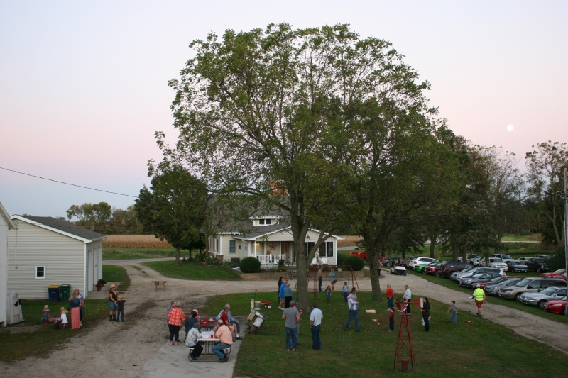 I am always comfortably at home on a farm like the Beckers' farm site.