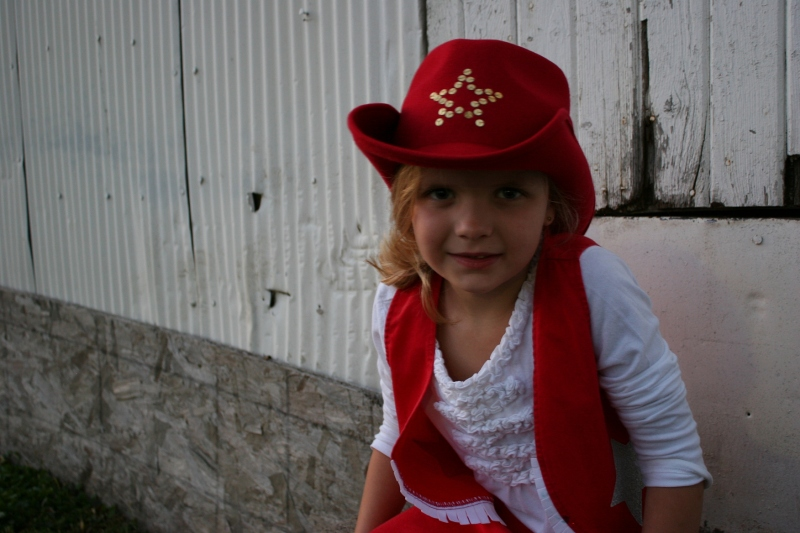 I photographed darling Ava at the last barn dance and her mom asked me to photograph her again. Daylight was fading. Yet I managed to snap a cute portrait.