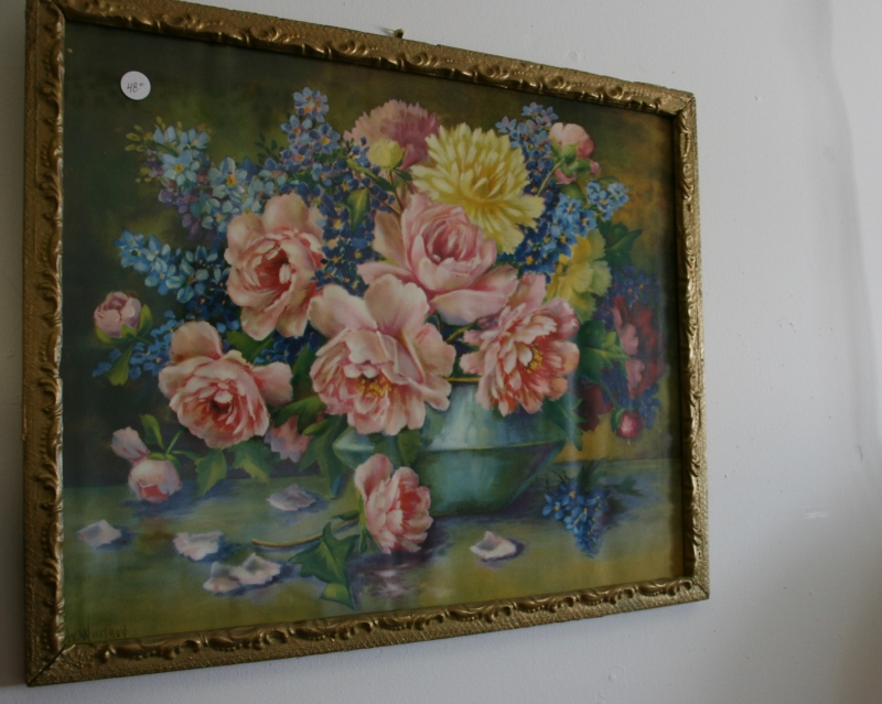 There are other antiques and collectibles in Jeff's shop besides furniture. I absolutely adore this floral print.