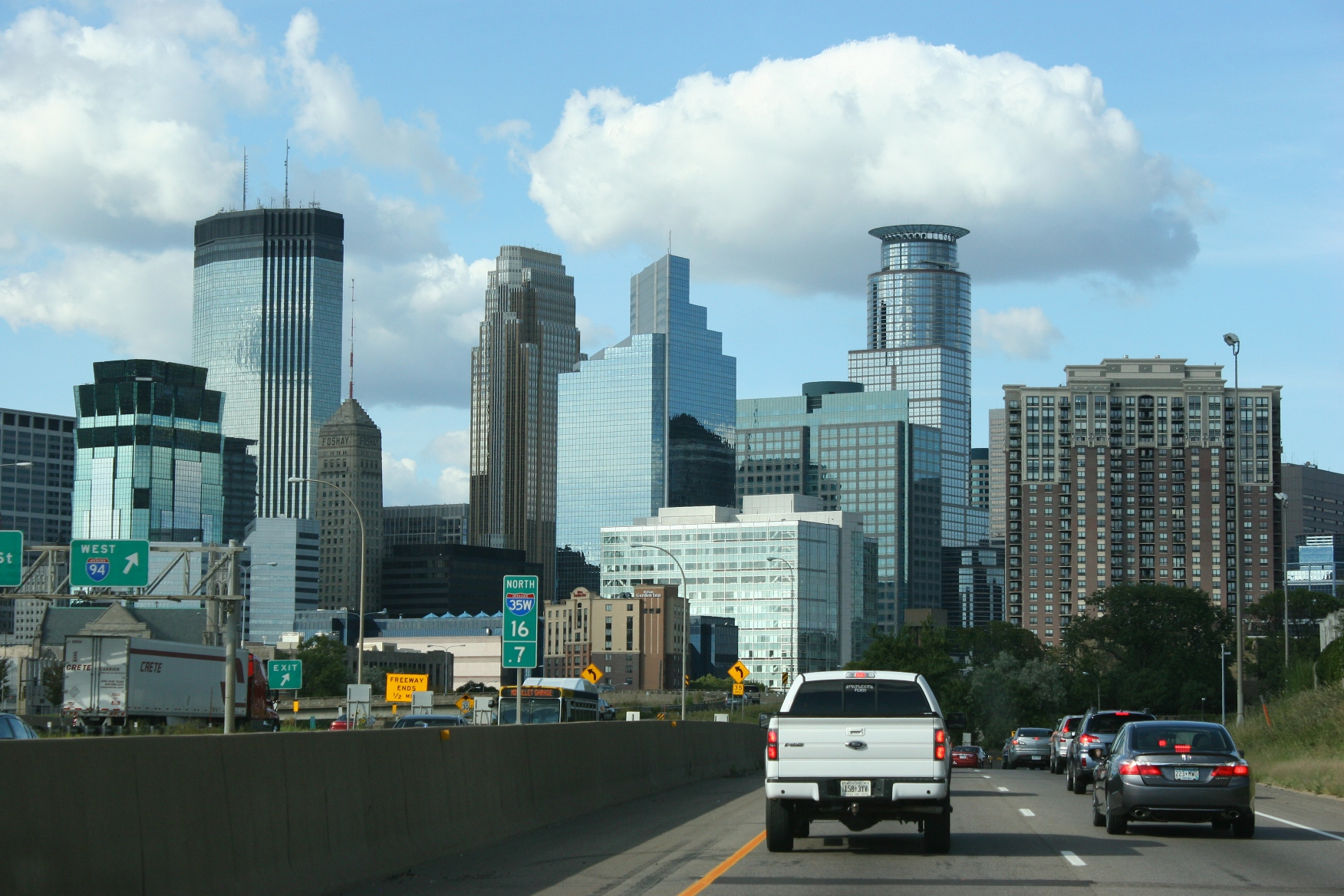 Minneapolis skyline | Minnesota Prairie Roots