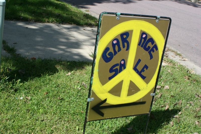 Peace symbol sign, yellow