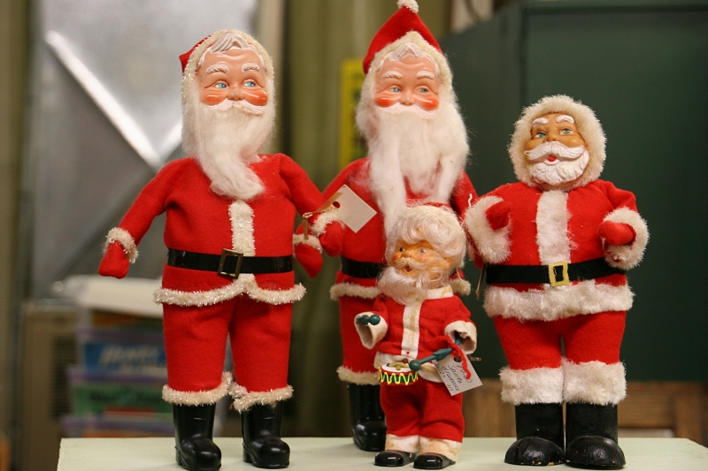 If you're already thinking Christmas, at least one vendor has a sizable Christmas display.