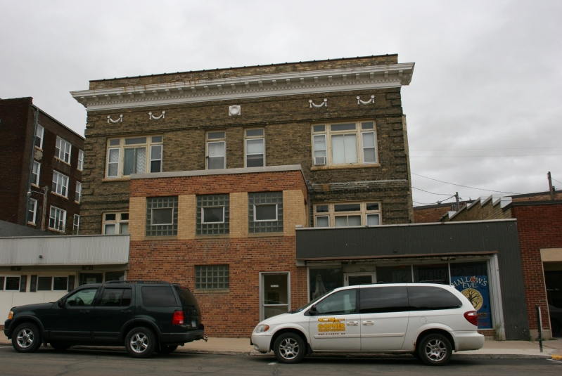 Downtown Albert Lea boasts a downtown Commercial Historic District with stunning architecture.