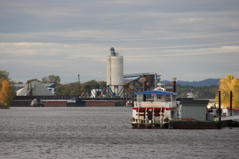 The La Crosse Queen offers cruises on the Mississippi River.