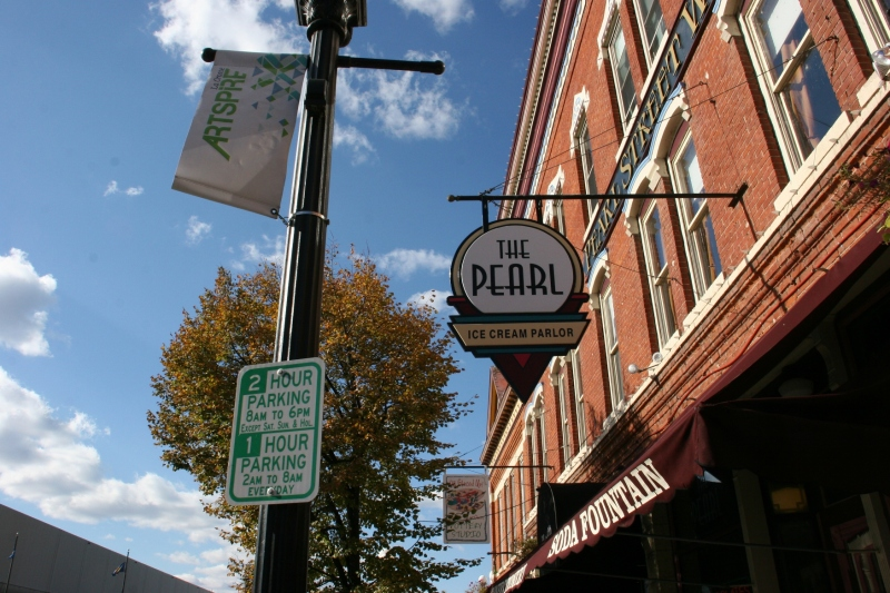 Several businesses are housed in Pearl Street West.