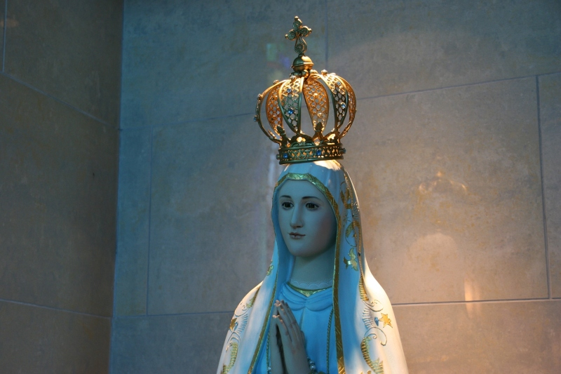 Another chapel statue, of, I assume, the Virgin Mary.