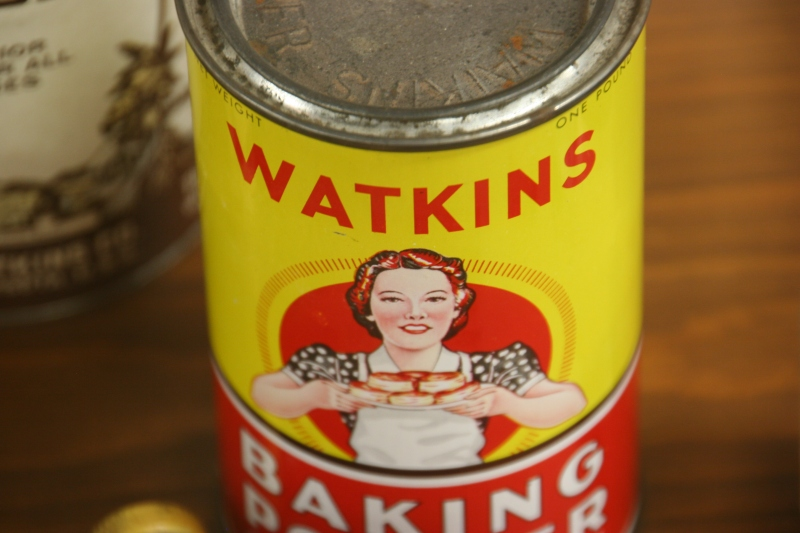 Love the art on this vintage can of Watkins baking powder.