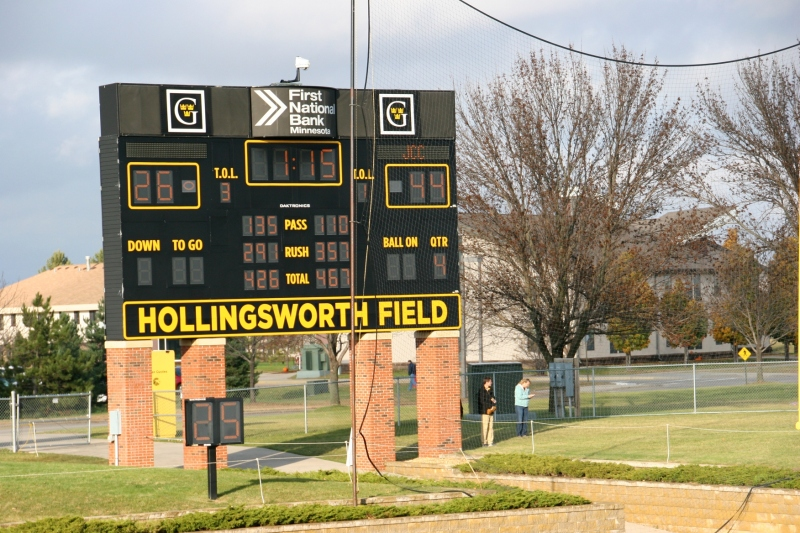 Football, 120 scoreboard