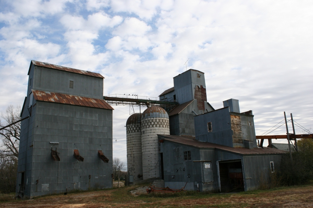 Last I knew, my Uncle Milan owned this grain elevator complex. I don't know whether he still does.