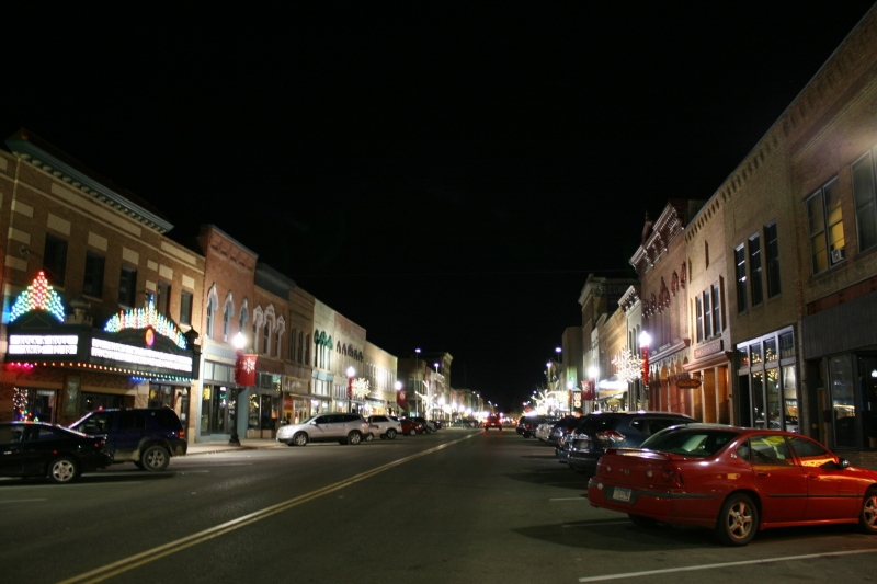 Looking down Central Avenue in historic downtown Faribault.