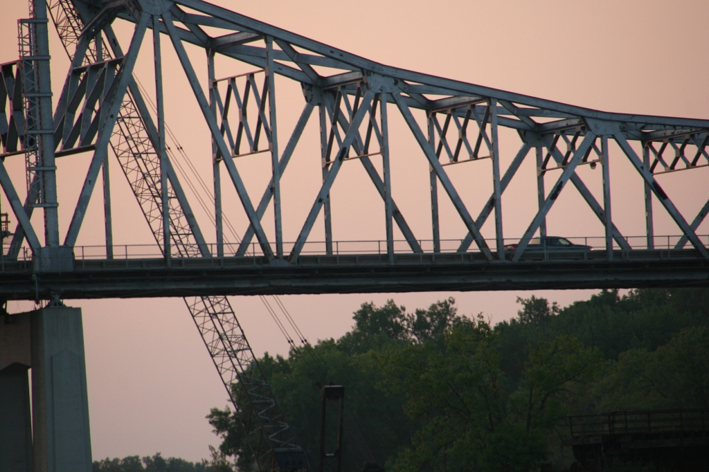 The old Mississippi River bridge in Winona. Minnesota Prairie Roots photo 2015.