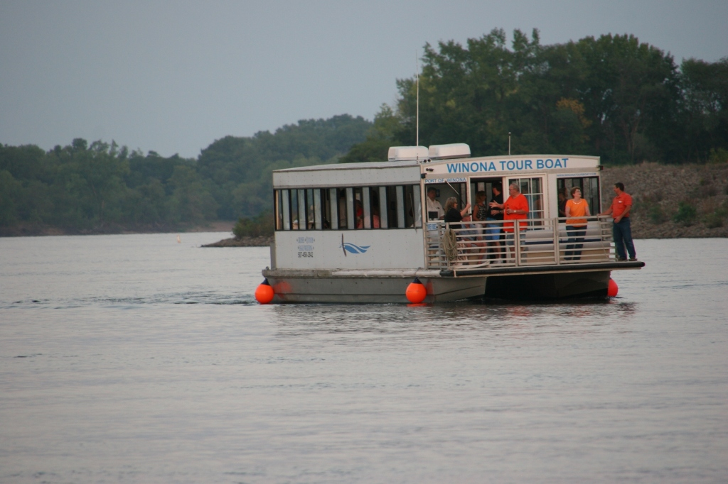 The Winona Tour Boat offers river cruises. Minnesota Prairie Roots photo September 2015.