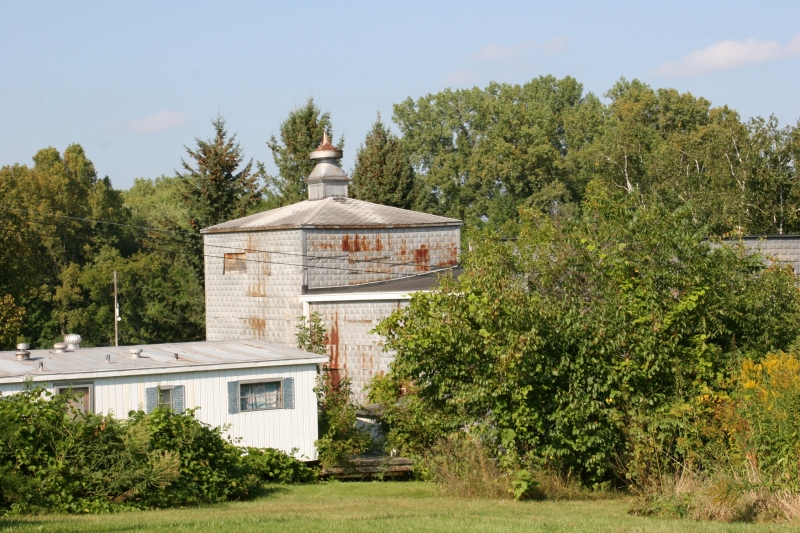 An unidentified building near the schoolhouse.
