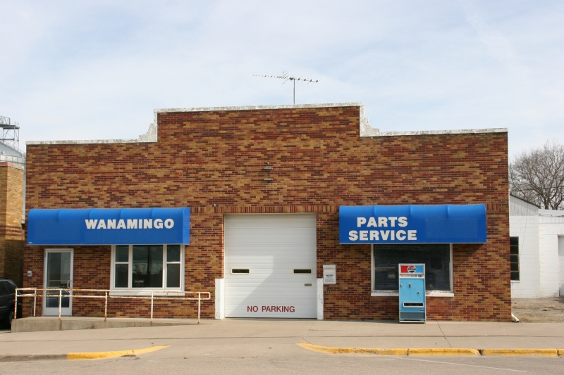 Small town Wanamingo, 37 parts service
