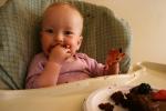 Birthday, 17 eatingcake