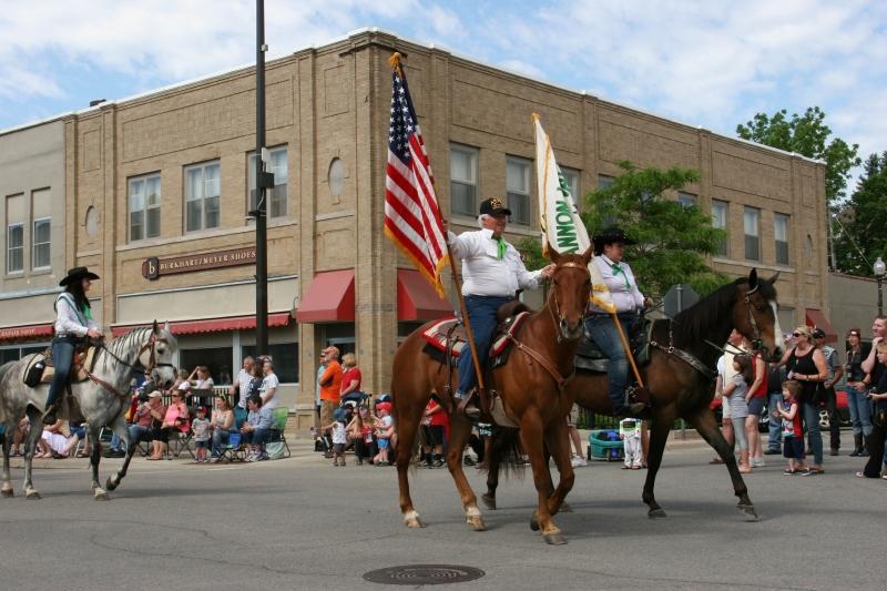 Parade, 51 horses