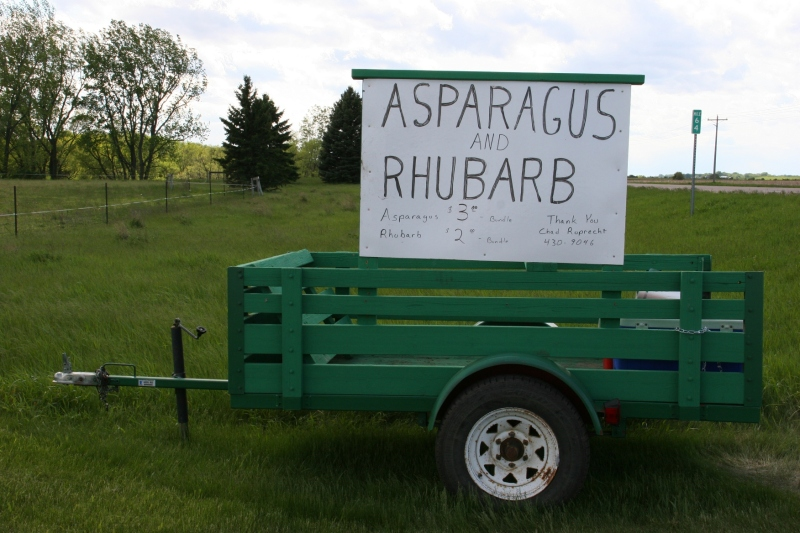 Roadside stand, 93 side view
