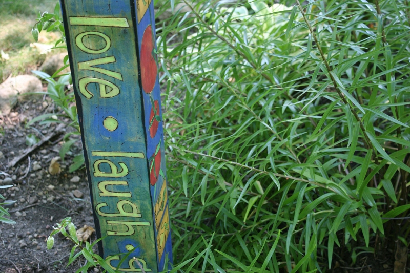 An inspiring message in garden art.