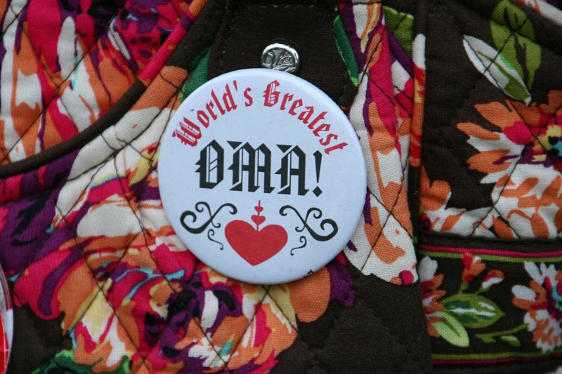 This pin belongs to Lis, pictured several photos above in the fuchsia jacket.