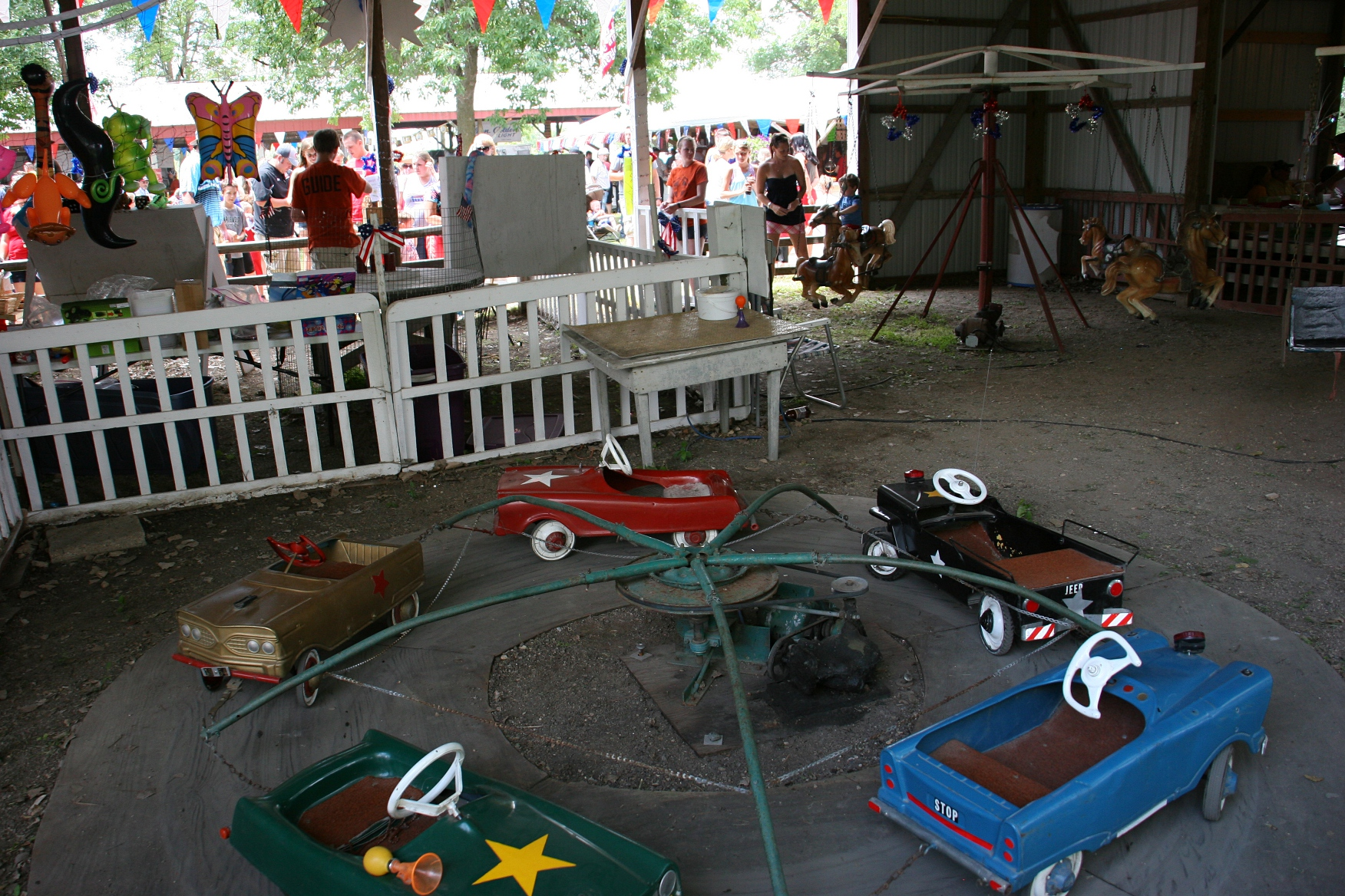 Celebrating the Fourth of July the old-fashioned way in rural North Morristown » Fourth of July, 43 overview of kids' rides. The homemade carnival ...