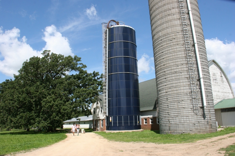 Shepherd's Way Farms, 106 silos & barn