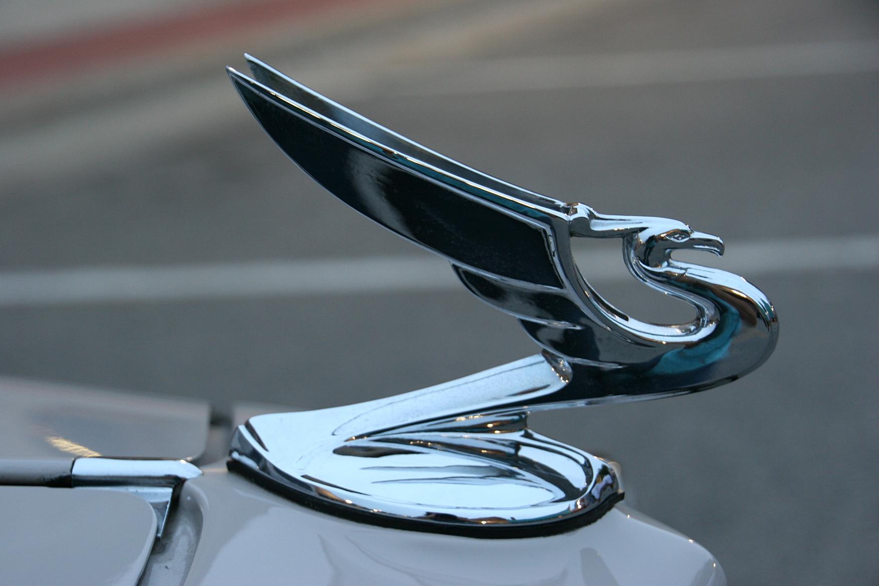 Falcon hood ornament - Hood Ornaments Always Interest Me For Their Artsy Beauty