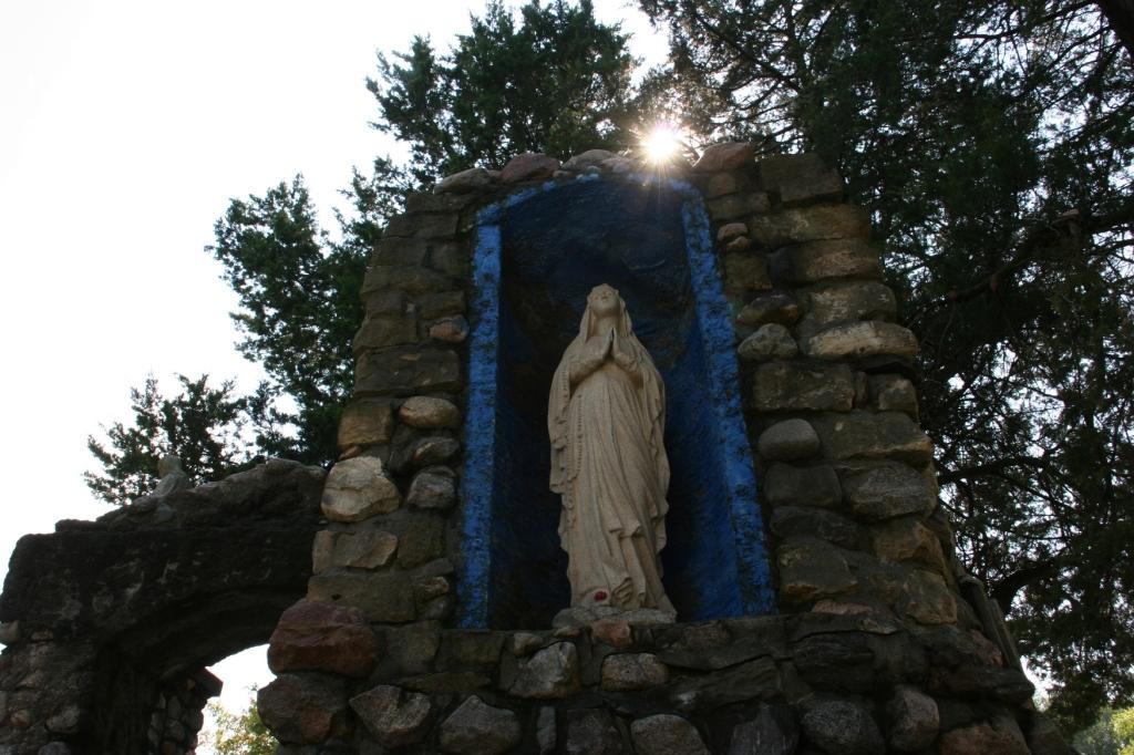 holy-trinity-grotto-44-mary
