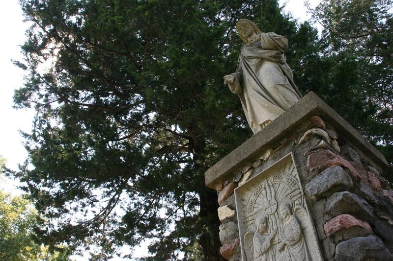 holy-trinity-grotto-47-jesus