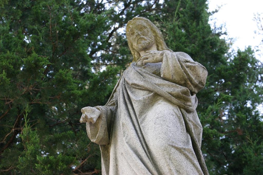 holy-trinity-grotto-48-jesus-close-up