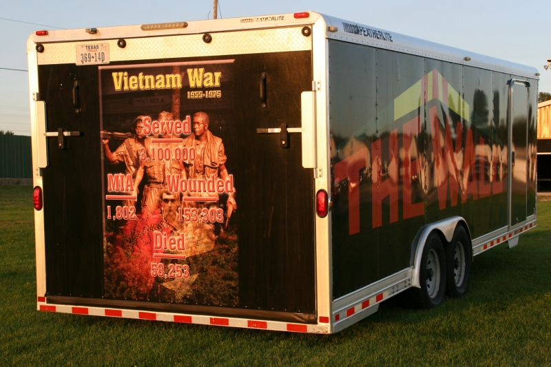 The back of the trailer carrying the wall.