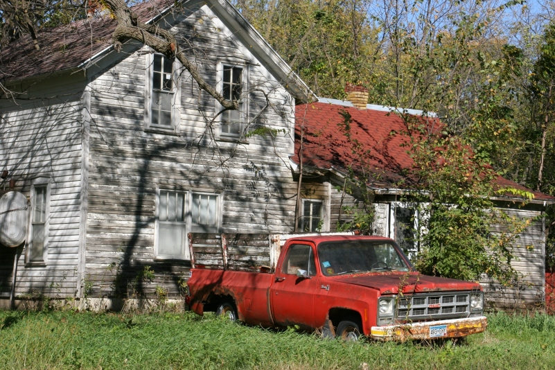 abandoned-house-truck-in-alma-city