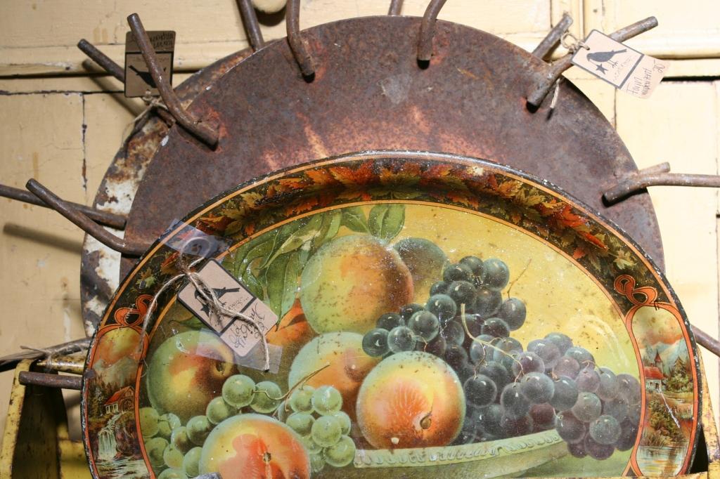 antique-shop-27-fruit-tray
