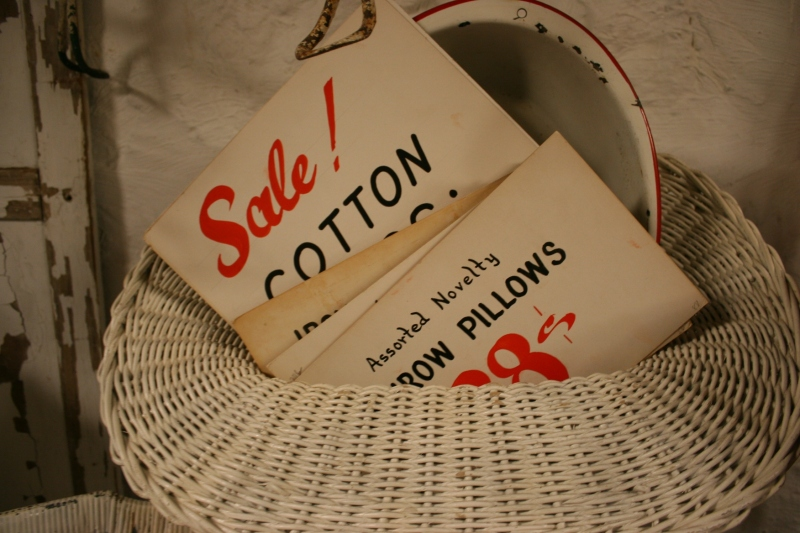 antique-shop-70-sale-signs
