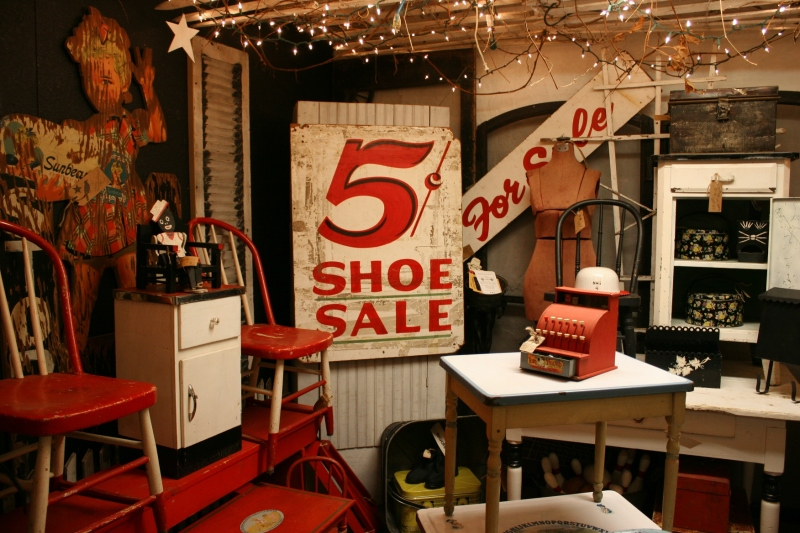 antique-shop-71-shoe-sale-red-corner